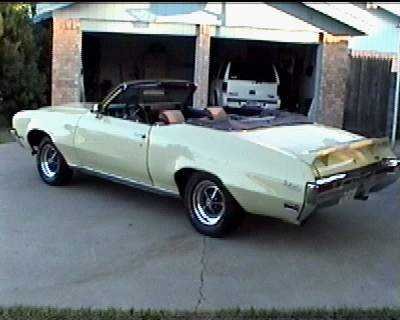 1970 buick skylark custom convertiblethe interior is not original(vinyl replaced with cloth)but sure looks nice